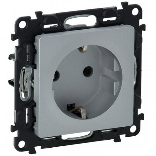 2P+E socket with shut. Valena Life - automatic terminals - German standard -16 A 250 V~ Aluminium.IP 2X protection.Supplied with mounted dust protection transparent shield.Flowpack packaging: robust protection to ensure optimum operation