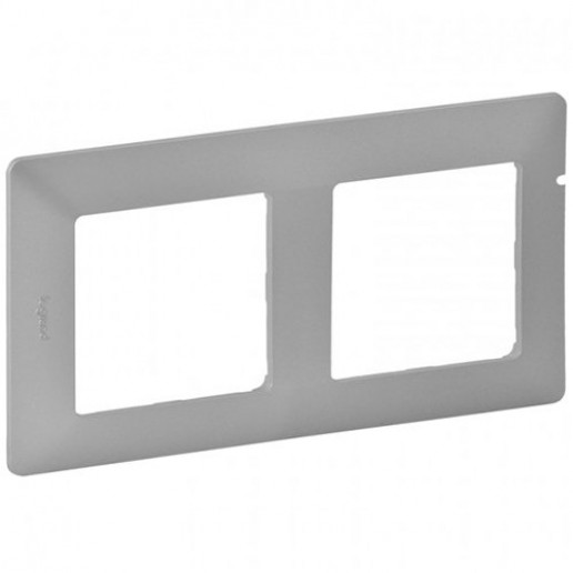 Plate Valena Life - 3 gang - aluminium.The same Cat.No of plates can be mounted in horizontal or vertical position